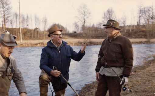 """Tällainen kalamies oli Urho Kekkonen – ei sulattanut sitä, jos joku sai häntä suuremman saaliin: """"Isäntä mulkoili minua siihen malliin, että ymmärsin tehneeni virheen"""""""