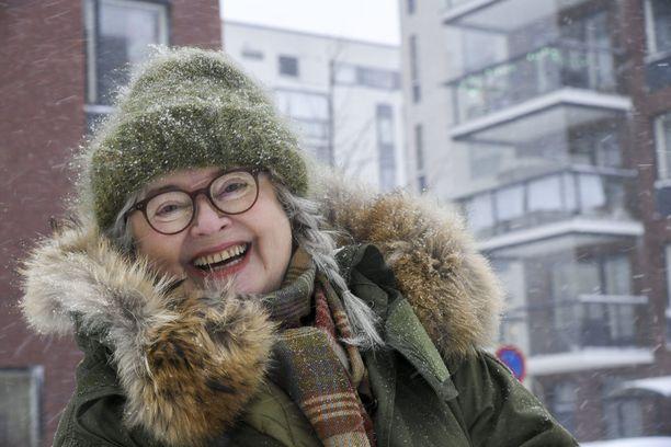 Titta Jokinen esitti vuosien ajan Tarja Halosta Suomen Komediateatterin syksyn revyissä. –Mieleenpainuva hetki oli myös se, kun toimin Tarjan sijaisena hänen vaalitoimistonsa avajaisissa. Iso osa vieraista meni retkuun.