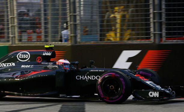 McLaren on tunnetuin formularadoilta, Apple taas kännykkäbisneksestä.