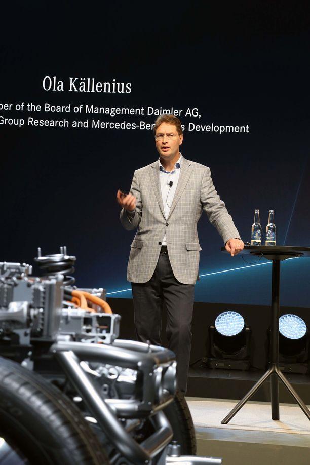 Ola Källenius esitteli Mercedeksen ensimmäistä EQC-sähköautoa Tukholmassa muutama viikko sitten.