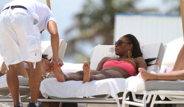 Serena otti rentouttavat jalkahieronnan rantahierojalta.
