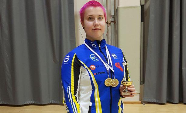 Susanna Törrönen yritti ylös myös 130 kilon rautoja.