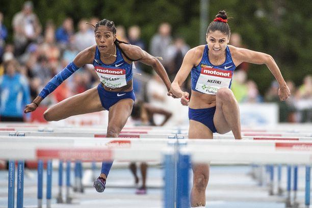 Nooralotta Neziri otti Espoossa komean voiton 100 metrin aidoissa.