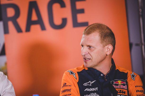 Tallipäällikkö Aki Ajo pitää osallistumista sähkömoottoripyörien MM-sarjaan tärkeänä.
