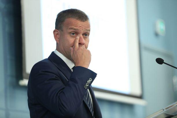 Iltalehden haastattelussa valtiovarainministeri Petteri Orpo torjui kritiikin, jonka mukaan Juha Sipilän (kesk) hallitus on jättämässä valtiontalouden tasapainottamisen tulevan hallituksen murheeksi.