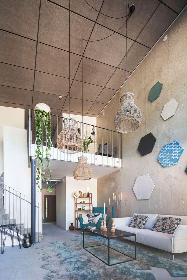 Olohuoneen korkeus tekee asunnosta neliöitään avaramman tuntuisen.