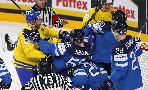 Ruotsi jyräsi Leijonat pronssiotteluun.