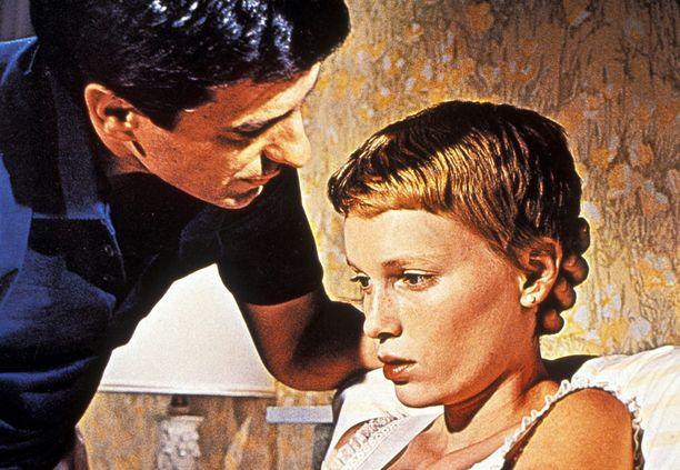 Roman Polanskin ohjaama kauhuelokuva Rosemaryn painajainen vuodelta 1968. Pääosaa esitti Mia Farrow.