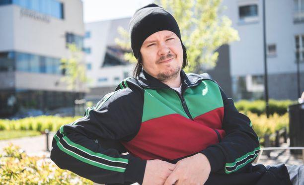 Aki Tykkiä jännitti katsoa, kuinka Terhi Kokkosen lähtö on leikattu jaksoihin.