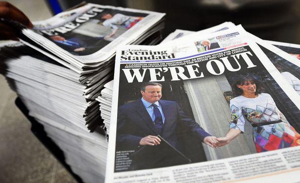 Eroava pääministeri David Cameron lupasi maanantaina, että kansanäänestyksen tulokseen sitoudutaan.