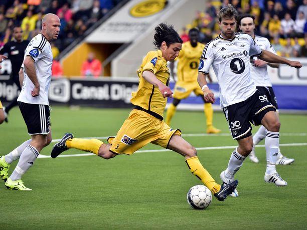 Yhdysvaltalainen Zarek Valentin on pelannut myös vanhalla mantereella. Kuvassa mies vuonna 2015, jolloin hän edusti norjalaista FK Bodø/Glimtiä.