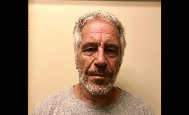 Kuolinsyytutkinta on vahvistanut Jeffrey Epsteinin kuolinsyyksi itsemurhan.
