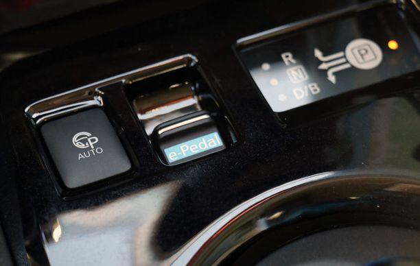 Painike, joka mullistaa ajotavat - e-Pedal muuttaa kaasun jarruksi.