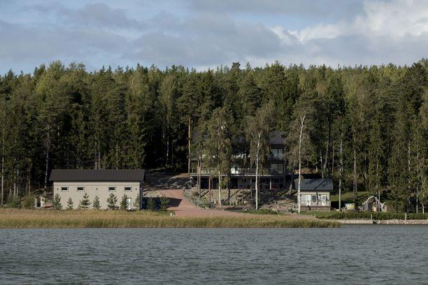 Airiston Helmi Ybbernäsissä Paraisilla.