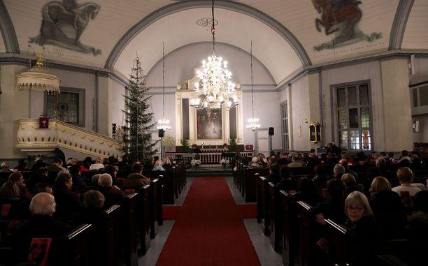 Lähetysseura varoittaa, että kokonaan verkkoon siirretyt tulevien viikkojen joululaulutilaisuudet ovat jo nyt keränneet mukaan myös paljon valetapahtumia (arkistokuva).