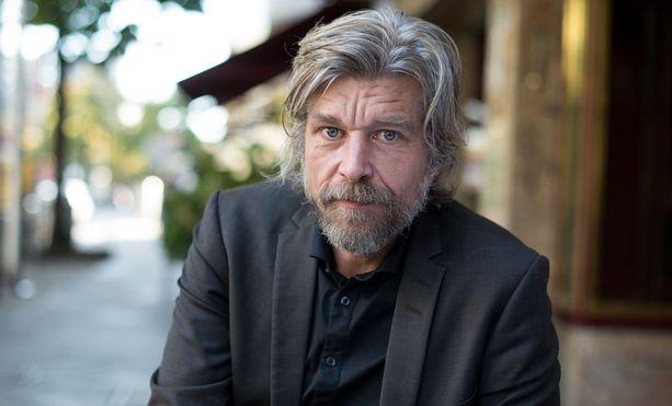 Omaelämäkerrallisen Taisteluni-romaanisarjan kirjoittanut Karl Ove Knausgård on juhlittu kirjailija.