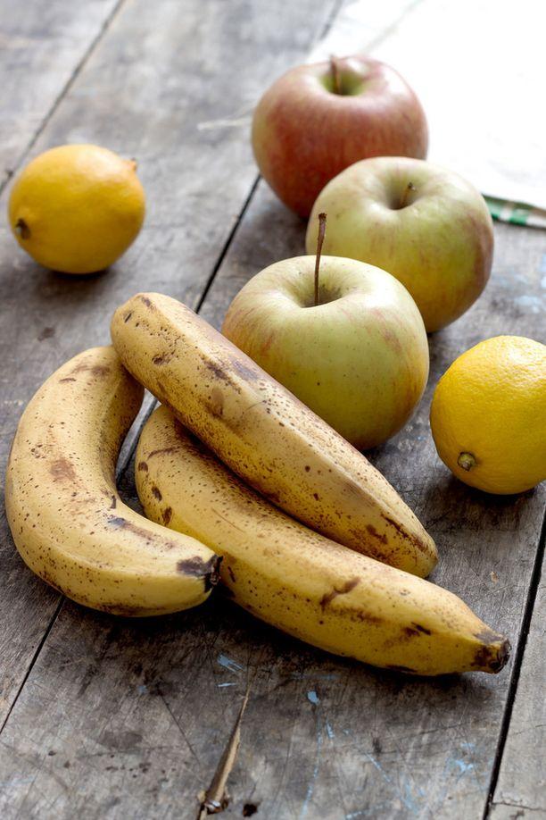 Ylikypsän banaanin lähellä olevien muiden hedelmien kypsyminen nopeutuu.