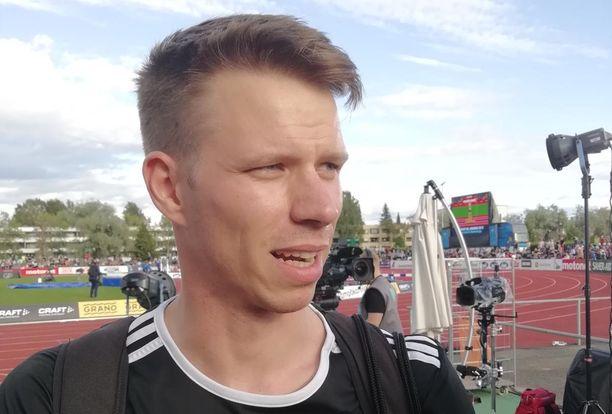 Roni Ollikainen hyppäsi Joensuun Eliittikisoissa tuloksen 779.