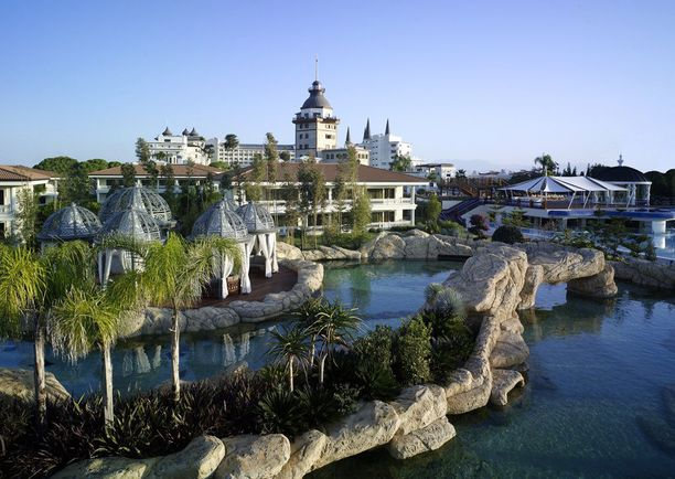 Vertailun edullisimmat viiden tähden hotellit löytyivät Turkin Antalyasta.