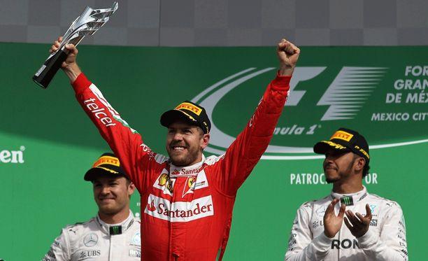 Sebastian Vettel tuuletteli liian aikaisin.