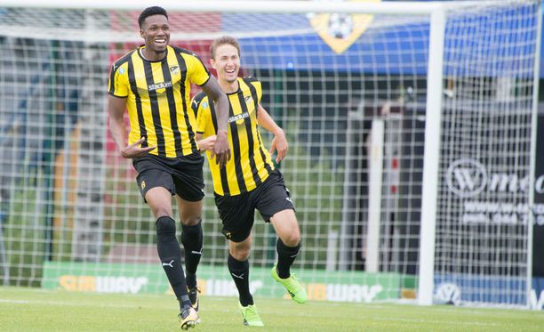 Macoumba Kandji teki kaksi maalia.