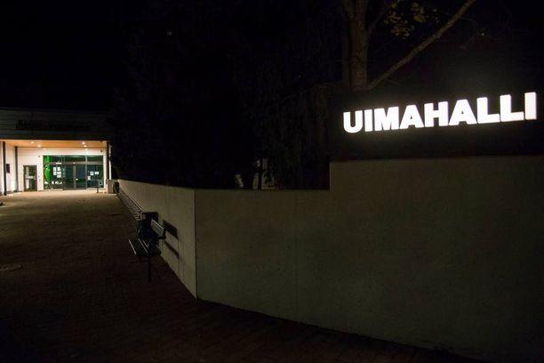 Teot tapahtuivat Karhulan uimahallissa Kotkassa.