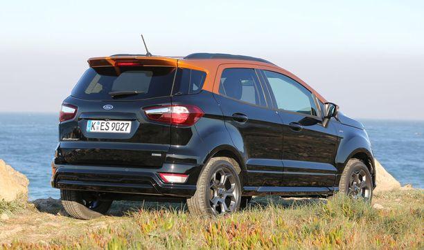 Bensamallin maavara on 19 cm, dieselin selvästi vaatimattomampi 16 cm. Auton saa nyt myös 2-värisenä.