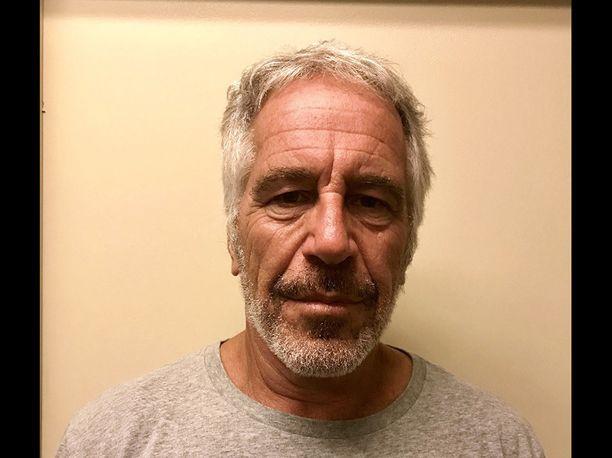 Elokuussa vankisellissään kuollutta Jeffrey Epsteinia epäiltiin alaikäisten tyttöjen seksuaalisesta hyväksikäytöstä ja seksikaupasta.