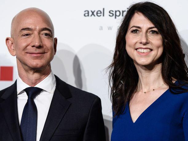 Jeff ja MacKenzie Bezosin avioero saanee lopullisen sinettinsä tällä viikolla, kun tuomari hyväksyy parin tekemän avioerosopimuksen.