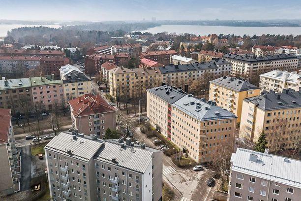 Munkkiniemi on Lauttasaaren tavoin rauhallinen asuinalue. Sitä voisi kuvata myös vauraaksi alueeksi. Luonto on myös täällä lähellä.