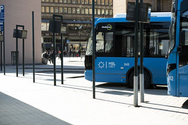 Pääkaupunkiseudulla ajanut bussikuski sai potkut, käräjäoikeuden mukaan aiheesta. Kuvituskuva.