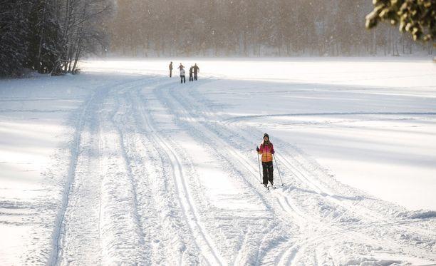 Talvinen ja aurinkoinen sää vallitsee ainakin perjantaina maan eteläosissa.