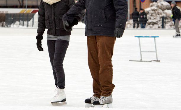 Lunta ja pakkasta tulee Helsinkiä myöten.