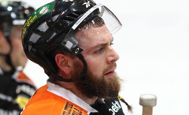 Missä suomalaisseuroissa Matt Nickerson on pelannut TuTon lisäksi?