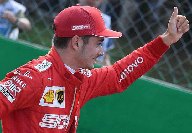 Charles Leclerc on valtaamassa ykköskuljettajan roolia Ferrarilla.