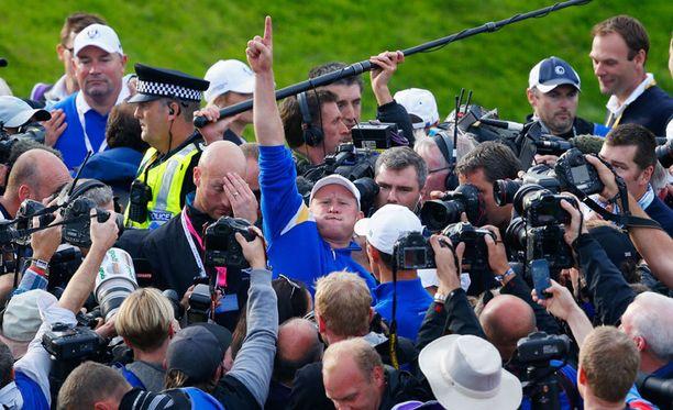 Euroopan Jamie Donaldson juhli Ryder Cupin voittoa.