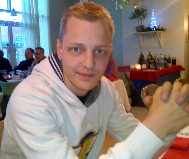 EI FORMULALLE Mikko Hirvosella ei ole paloa F1-auton rattiin.