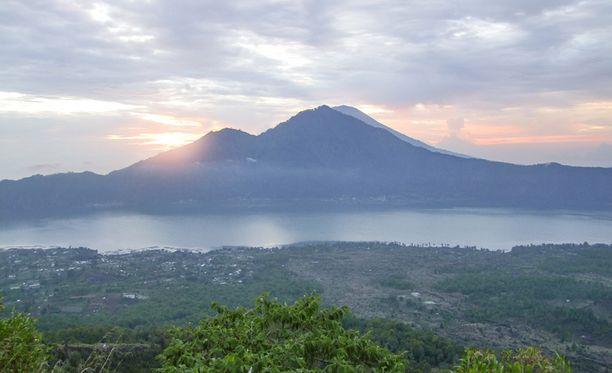 Mount Baturin tulivuori Balilla on suosittu turistikohde.