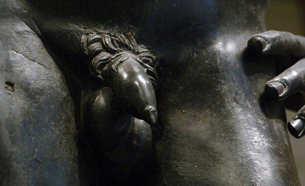 Miesten väliset suhteet olivat muinaisessa Kreikassa tavallisia ja hyväksyttyjä.