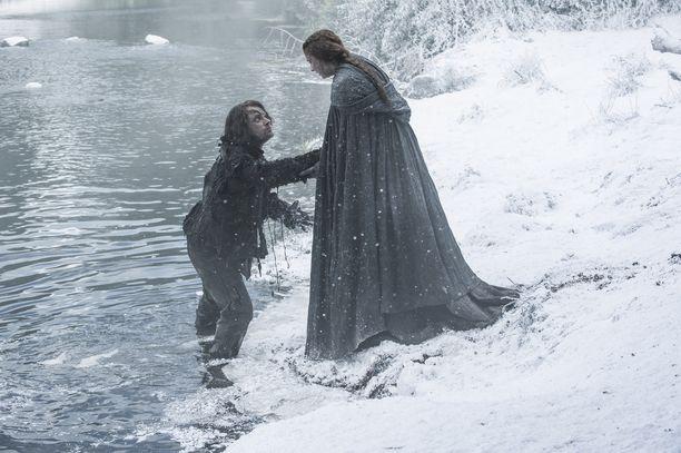 Theon ja Sansa olivat molemmat Ramsayn vankeja. He pakenivat yhdessä.
