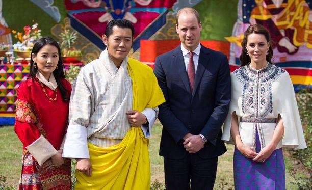 Prinssi William ja Catherine tapasivat Lohikäärmeiden maan kuningasparin.