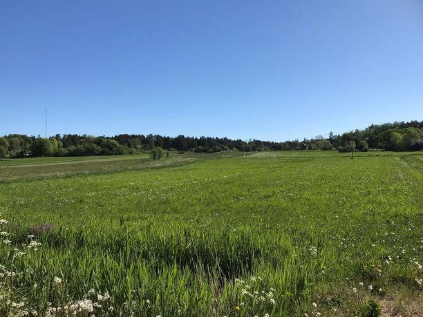 Ahvenanmaalla on paljon maaseutumaisemaa. Kuva Lumparlandista.
