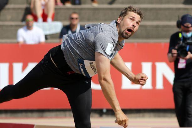 Antti Ruuskanen nakkasi avausheitollaan 77,79 ja eteni Kalevan kisojen karsinnasta finaaliin.