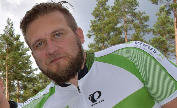IBD-suolistotauti lopetti Conny Karlssonin huippu-urheilu-uran vuonna 2007.