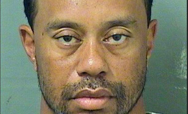 Tiger Woodsin pidätyskuvasta on tullut sosiaalisen median suosikki.