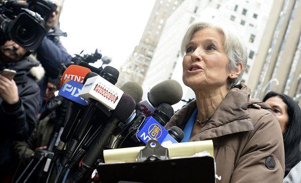Vihreiden presidenttiehdokas Jill Stein ilmoitti, että ei tyydy oikeuden päätökseen, vaan jatkaa kampanjaa äänten uudelleenlaskemiseksi.