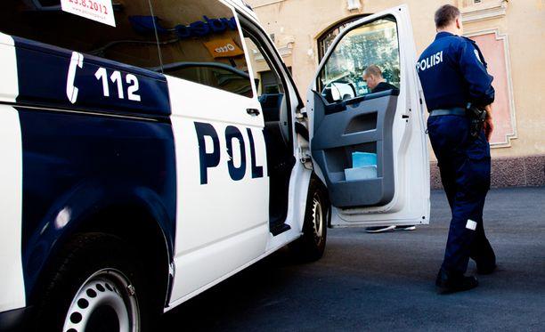 Poliisilaitokset selittävät tilannetta yksittäisillä laiminlyönneillä.