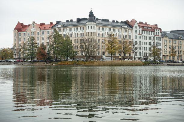 Entinen asukas Onni Lindfors testamenttasi perintönsä taloyhtiölle Pitkänsillanranta 17:ssa.