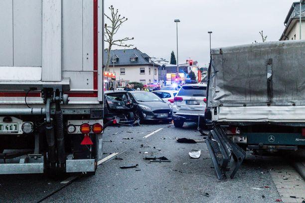 Näkymä onnettomuuspaikalta Limburgissa.