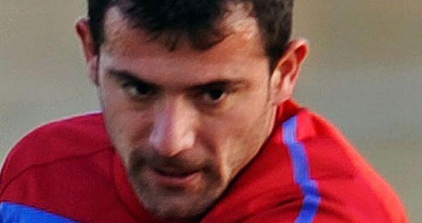 Dejan Stankovic kirjoittaa nimensä erikoiseen MM-ennätykseen.